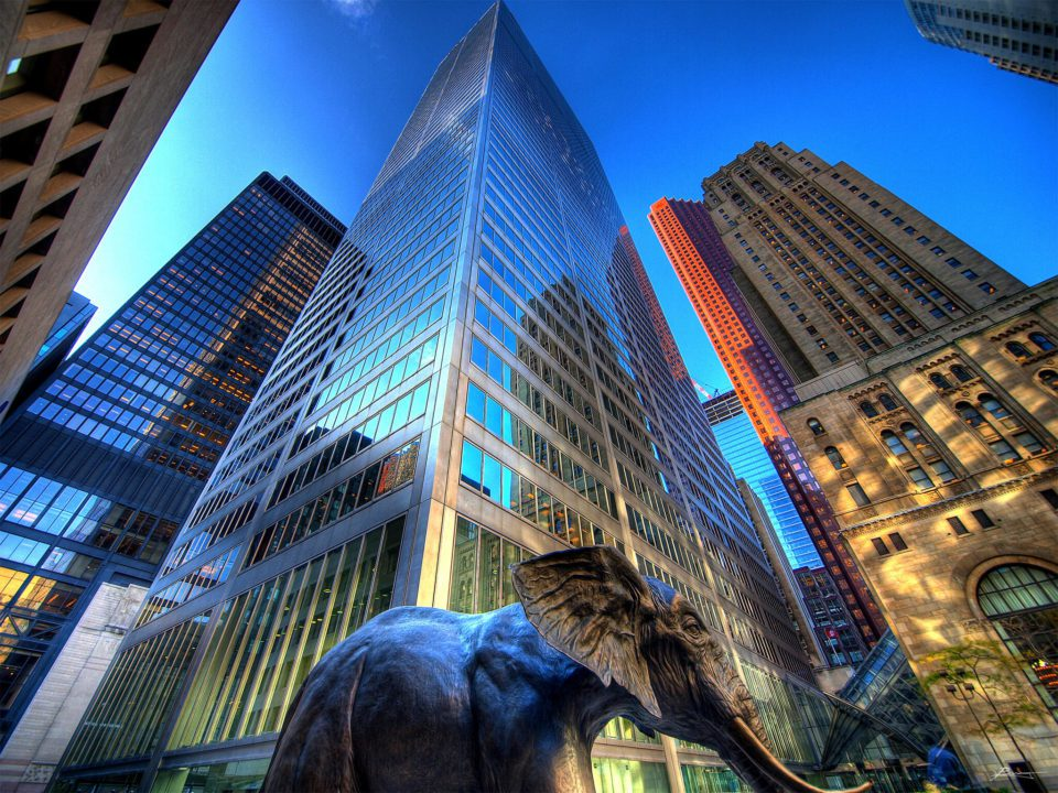 Elephant statue in front of a skyscraper worthy to move your office for